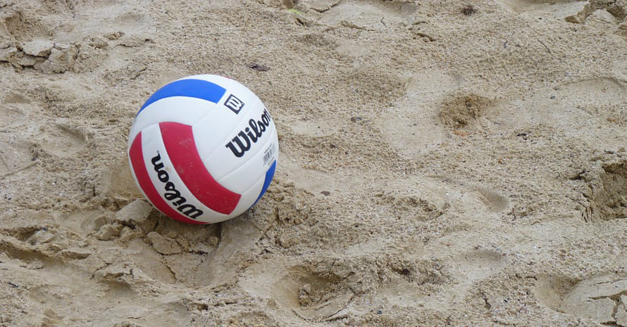 blue-red-ball-on-the-beach