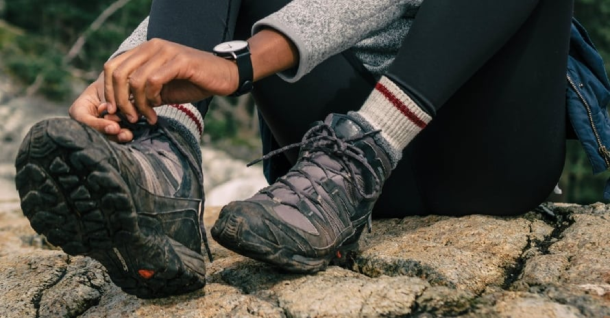 hiking boots featured image