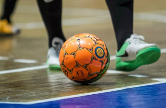 What is the Difference Between Indoor Outdoor Soccer Cleats – Buyer's Guide
