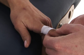 How to Tape Fingers for Volleyball – Detailed Instructions